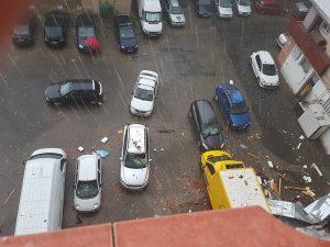 Mașina și furtuna
